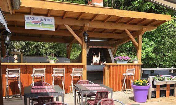 Barbecue de terrasse location vacances appartement marine for Restaurant avec jardin dans le 92